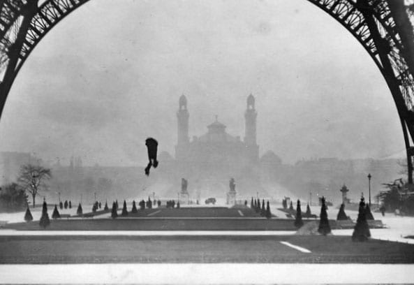 Franz Reichelt falling from the Eiffel Tower.