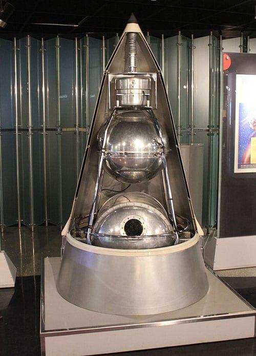 Model of Sputnik 2