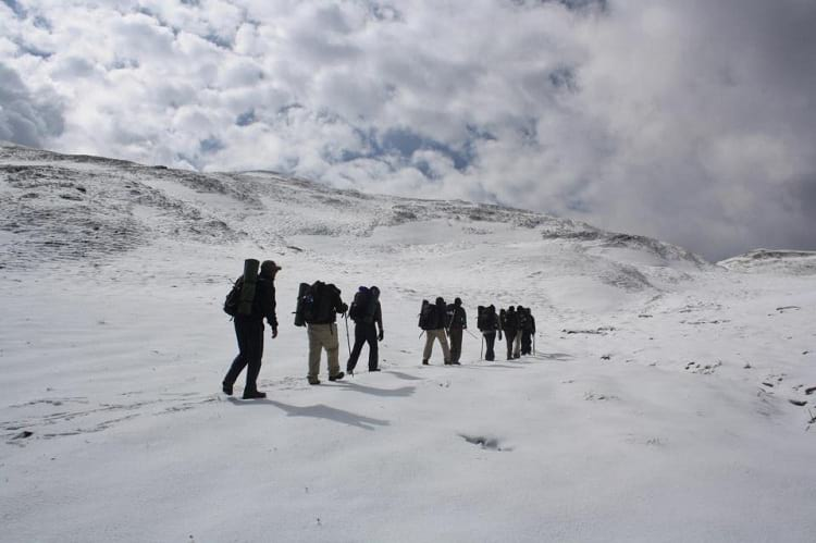 Roopkund lake can be reached after trekking