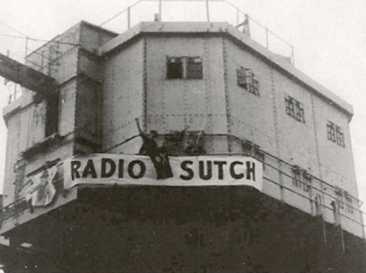 Maunsell Forts: Guntower converted to pirate radio station.