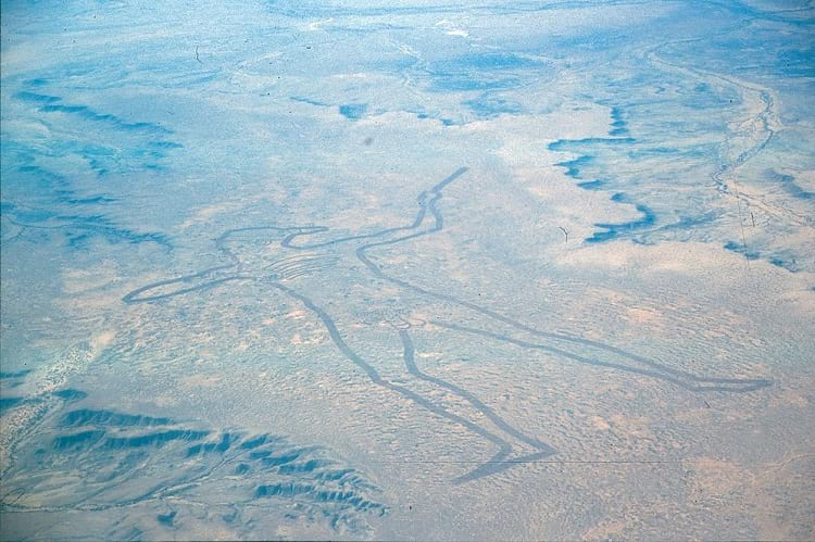 Aerial photo of the Marree Man from 1998.
