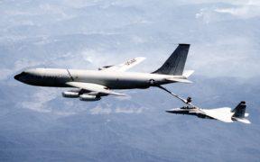 KC-135 Stratotanker refuelling