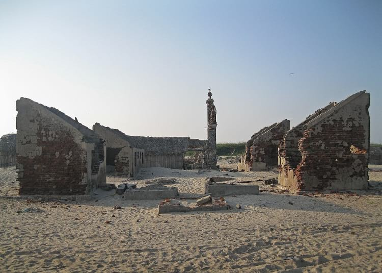 Dhanushkodi: Buildings devastated during 1964 cyclone.