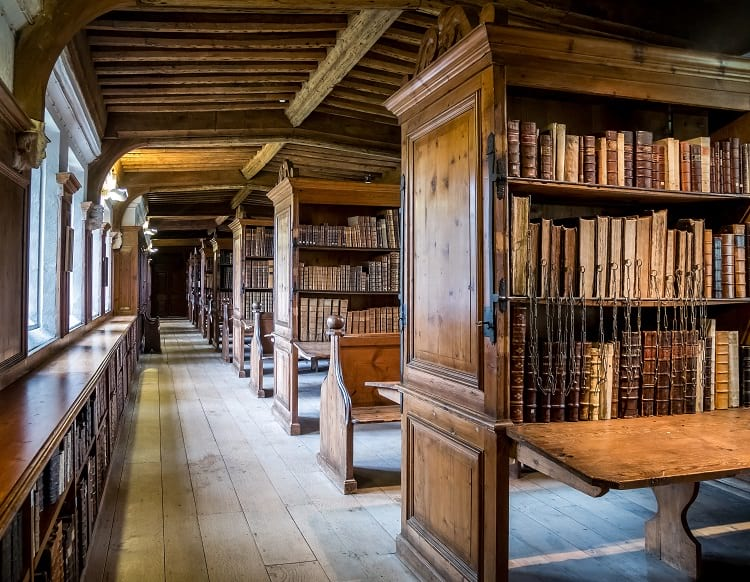 Chained Libraries: Hereford Cathedral Library