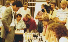 Garry Kasparov playing chess