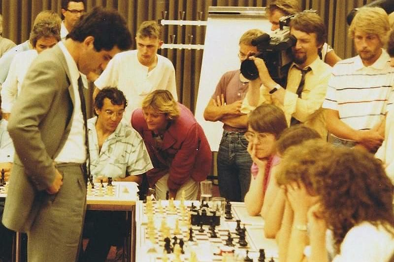 Garry Kasparov playing chess