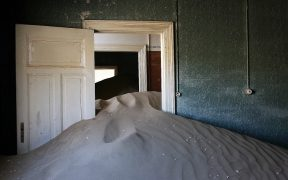 Abandoned house in Kolmanskop