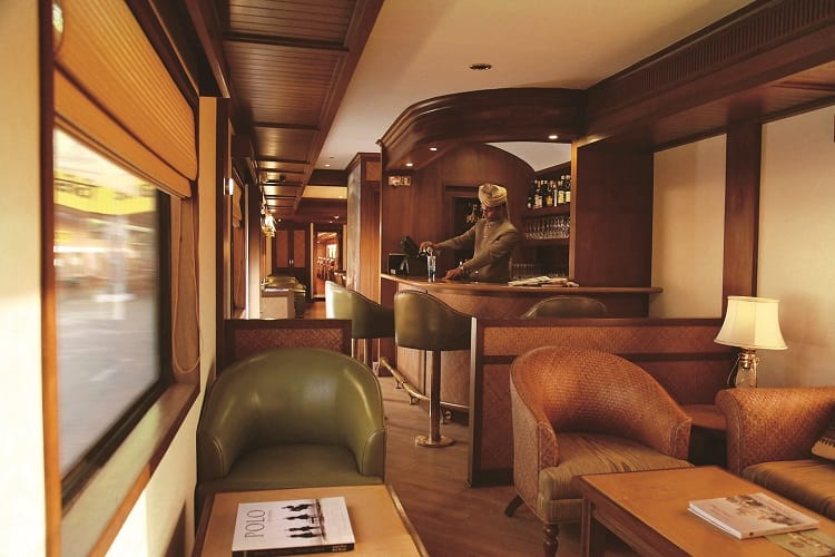 Maharajas' Express - Bar.