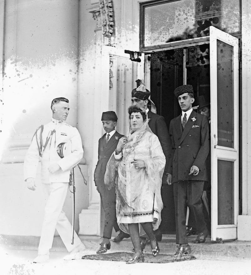 Stanley Clifford Weyman (left) with Princess Fatima.