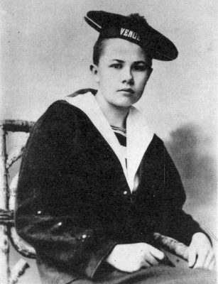 A young Isabelle Eberhardt.