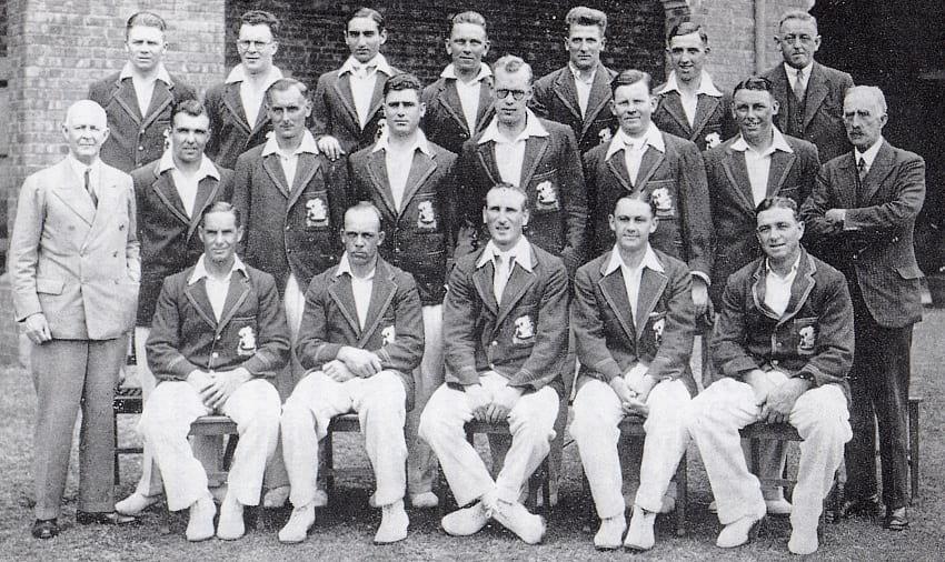 Photograph of England cricket team 1932–33