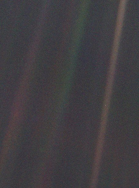 Earth as 'Pale Blue Dot'.
