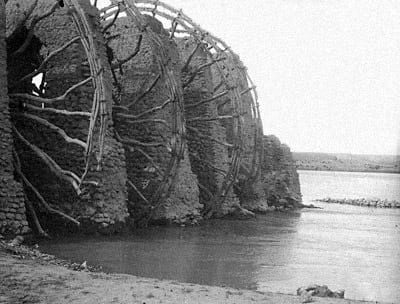 Water wheels of Ajmiyeh on the Euphrate River.