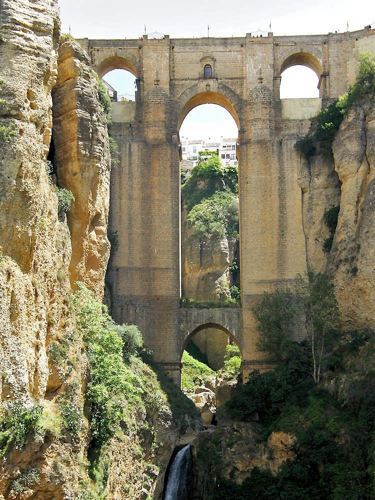 The arches of Puente Nuevo.