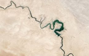 Satellite photo of Euphrates River from the year 2009.