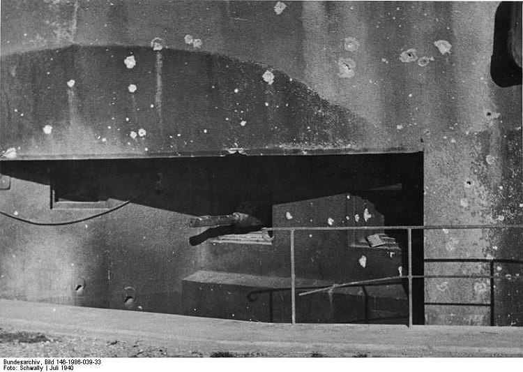 47 mm AC model 1934 cannon inside Maginot Line.