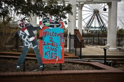 Six Flags New Orleans zombieland graffiti